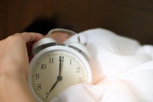 szabálytalan menstruáció és alváshiány